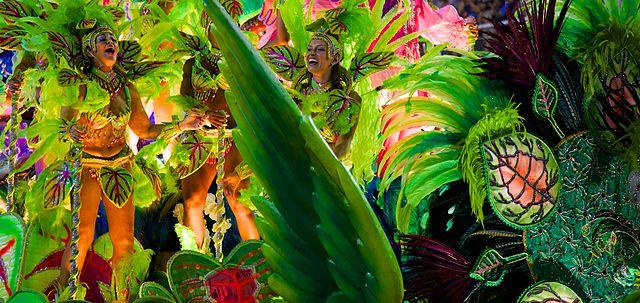 Carnaval_2014_-_Rio_de_Janeiro_(12974016393)