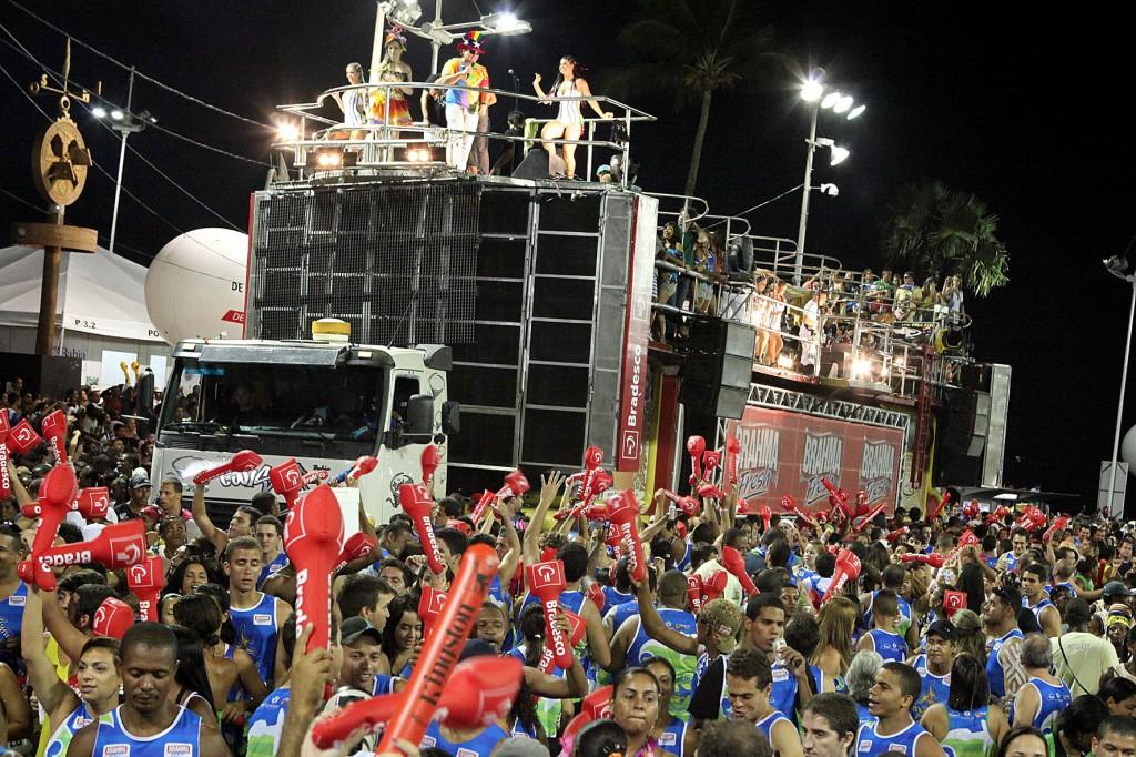 salvador-carnival-bloco-2