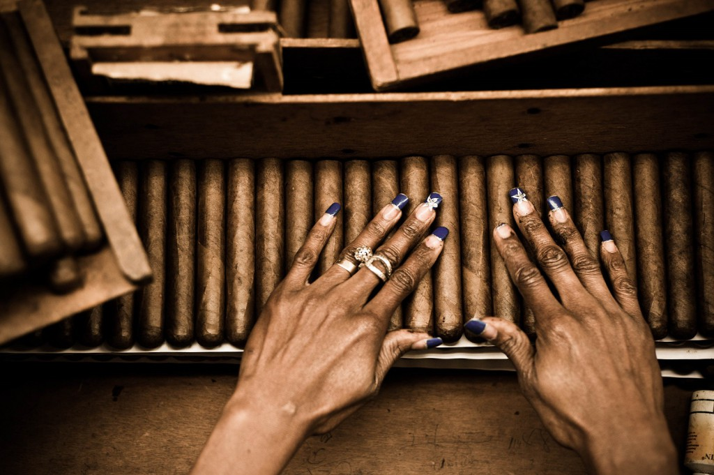Handmade Cigars - RealWorld/RealWords - Gifts from Soth America