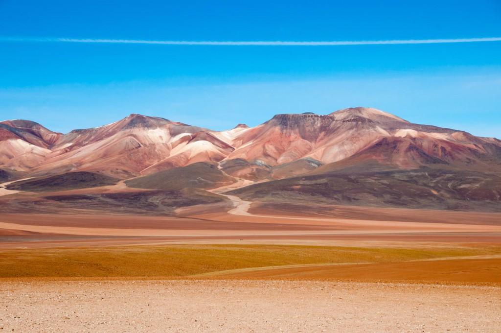 Uyuni mountains, routes to Uyuni, RealWords