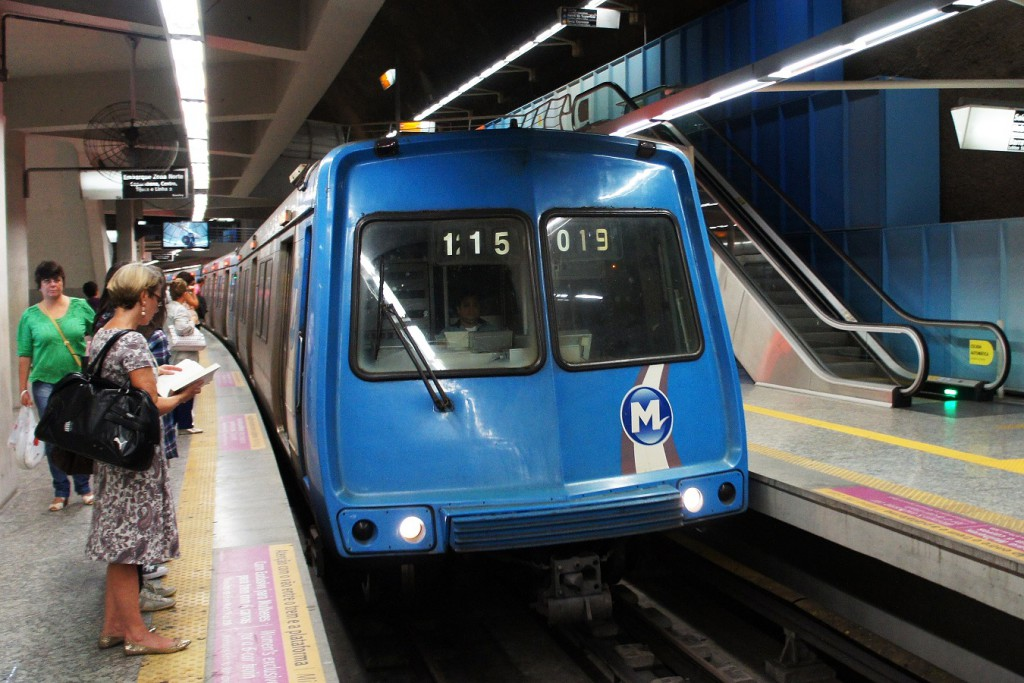 The Metro is a safe and efficient transport option in Rio (image via Wikimedia)
