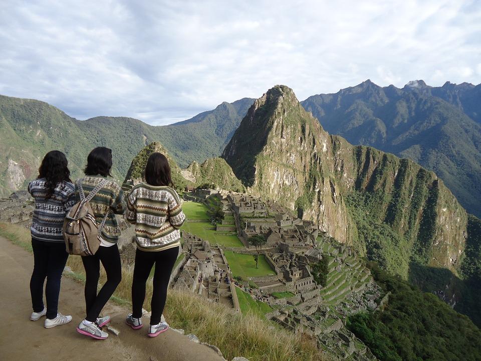 Machu Picchu jumper (pixabay)