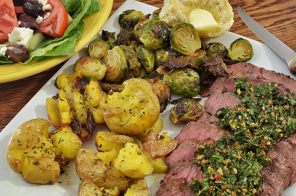 steak chimichurri argentina (flickr)