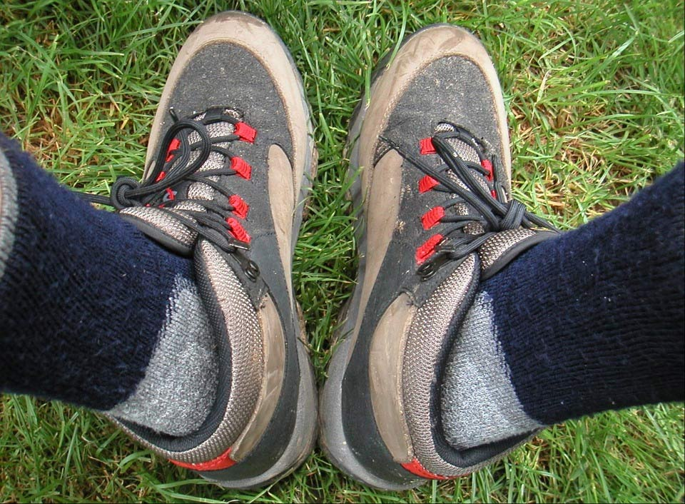 Trekking-shoes-socks
