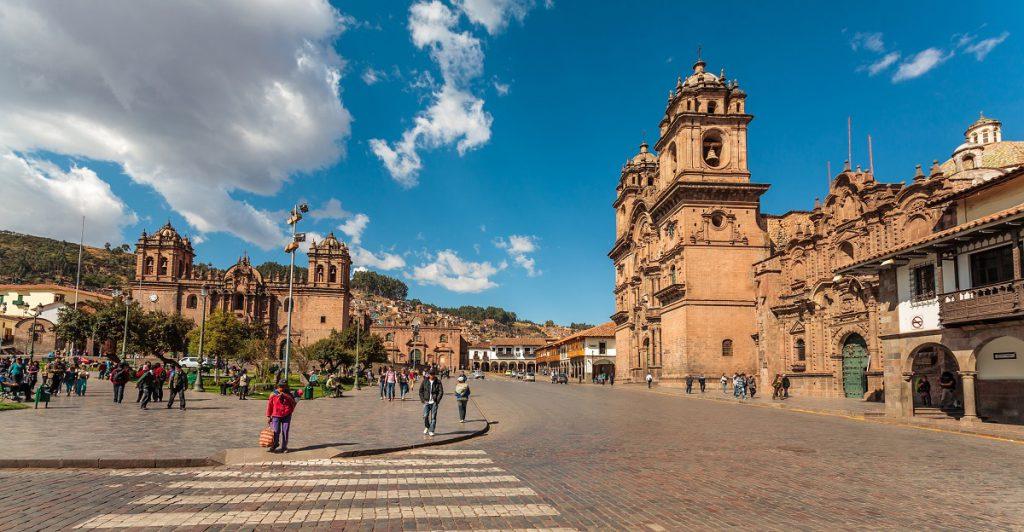 Cusco square RW
