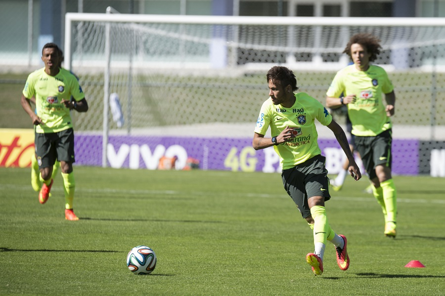 TERESOPOLIS RJ /BRAZIL - MAY 31: Neymar during training the Brazilian selection in Granja Comary on may 31 2014 in Teresopolis.