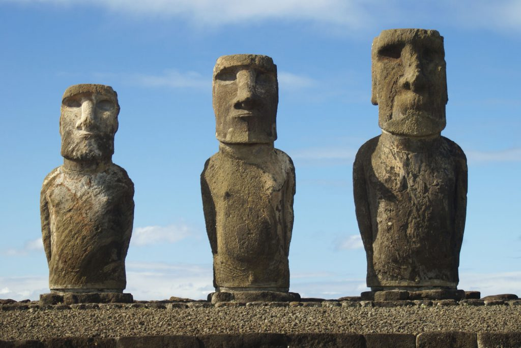Easter-Island-Statues