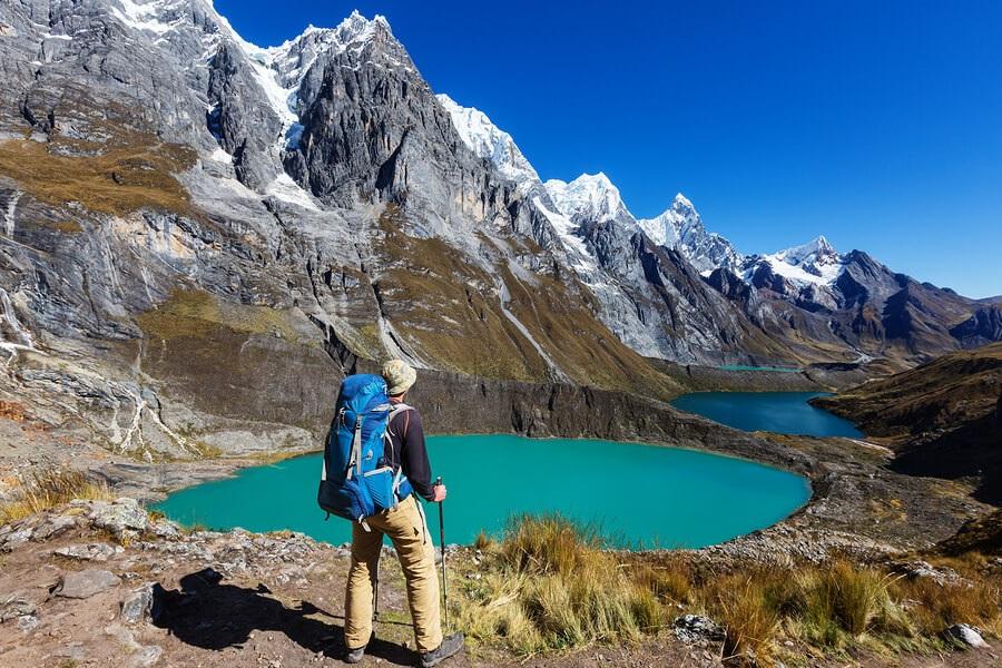Hiking-Cordillera-Mountains