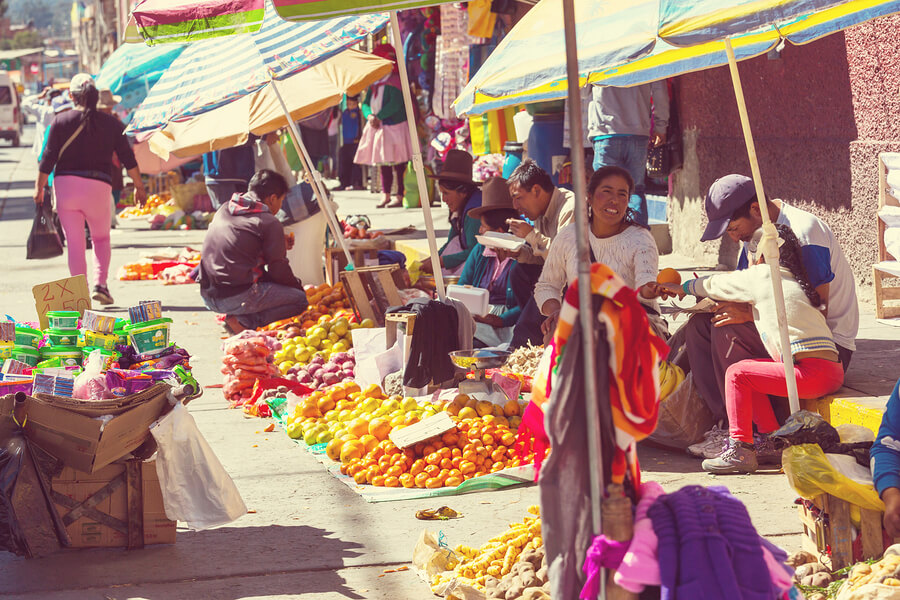 Hustle-and-bustle-at-Peruvian-Market