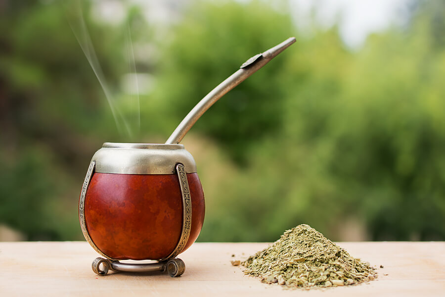 A picture of Yerba Mate, ready to be consumed.