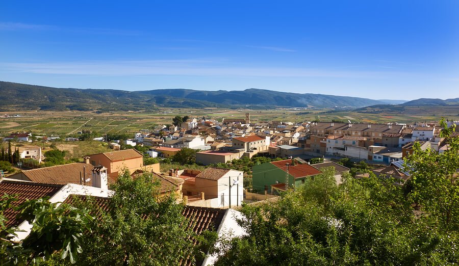 A picture of the beautiful town of Font de la Figuera.