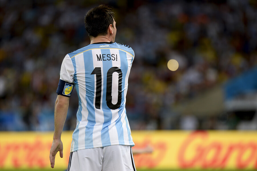 A picture of Lionel Messi playing for Argentina.